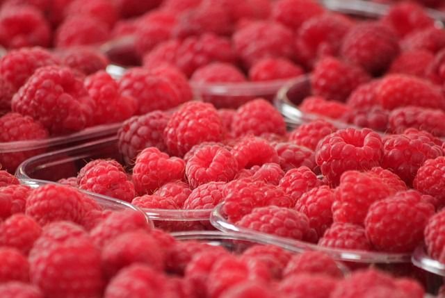raspberries - things that are red
